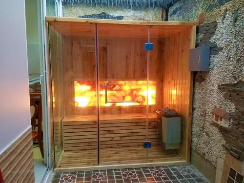 lắp đặt phòng xông hơi đá muối hymalaya tại nhà anh Hoàng quận Tân Bình